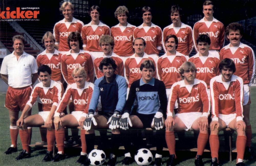 Kickers Offenbach Mannschaftskarte 1975-76