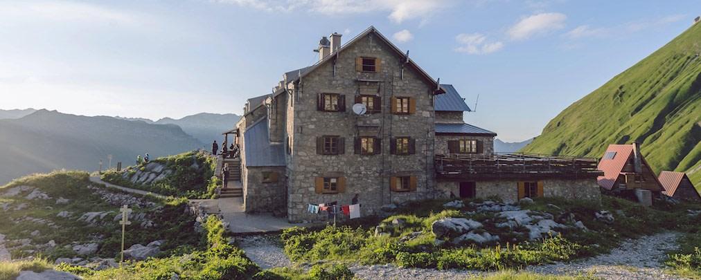 Hüttenöffnungen in Bayern und Österreich: Das müsst ihr wissen