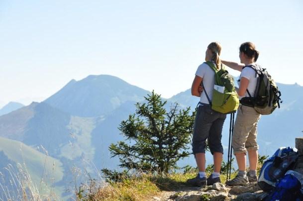 Auf dem Bodenschneidgipfel mit Blick Richtung Rotwand - ein beliebtes Tourenziel von der Albert-Link-Hütte
