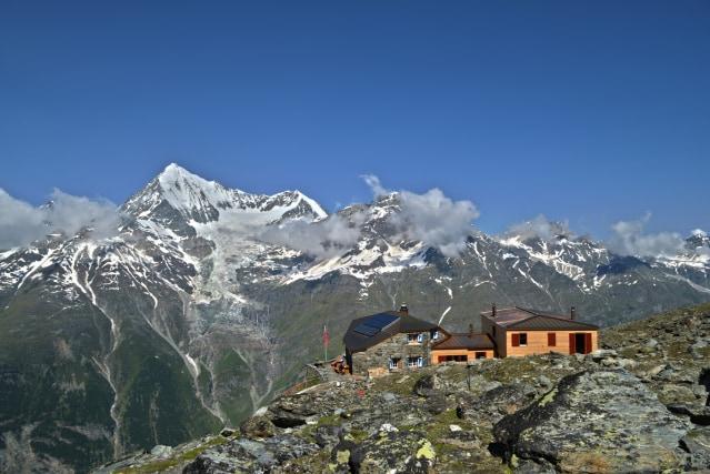 Ausgangspunkt Domhütte SAC (2'940 m)