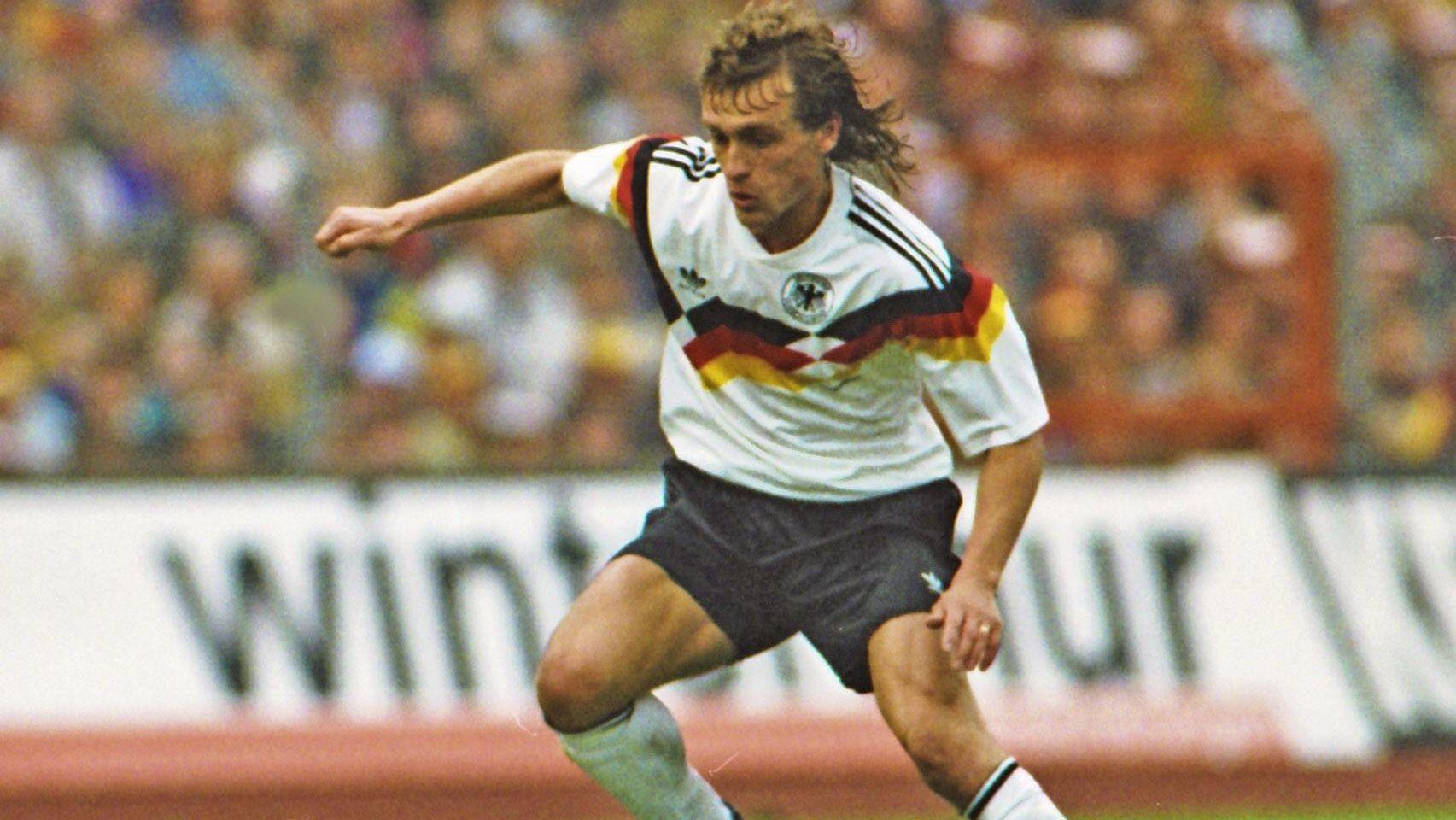 Der beste offensive Mittelfeldspieler der Bundesliga: Nationalspieler Thomas Doll vom HSV
