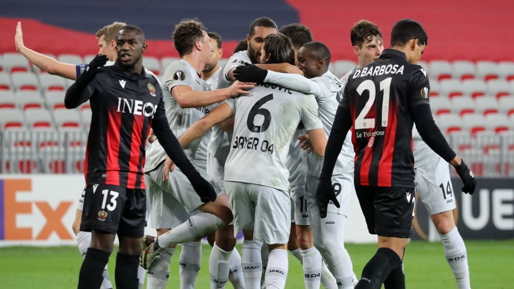 Sechzehntelfinale fix: Bayer 04 Leverkusen bejubelt das 2:1 durch Aleksandar Dragovic (#6).