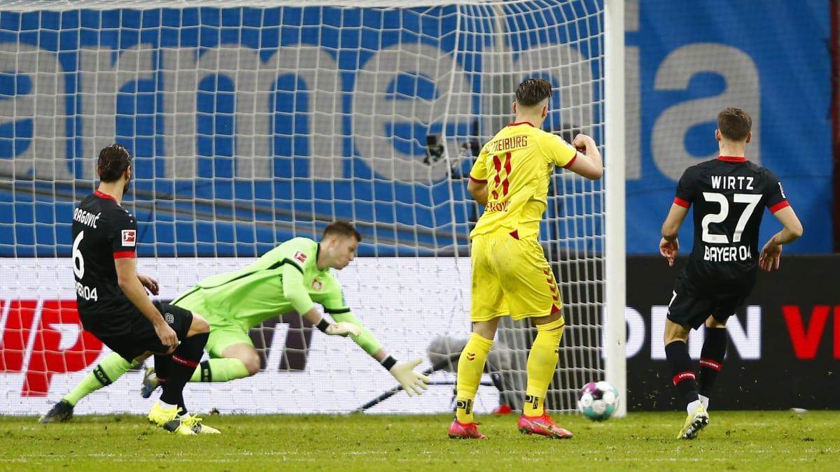 Demirovic und Höler schocken Bayer nach der Pause - kicker