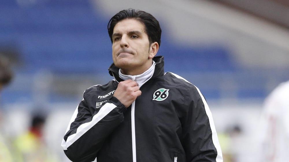Auch wenn die Luft für Hannover 96 langsam dünner wird, Trainer Kenan Kocak sah gegen Kiel auch Positives.
