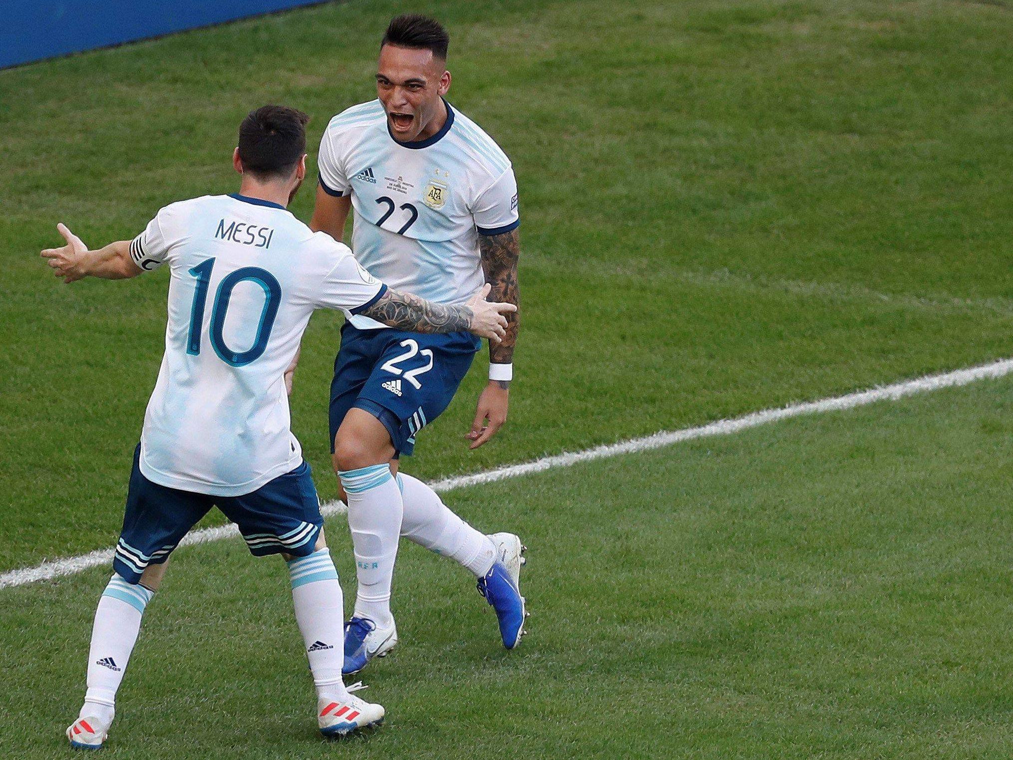 Lionel Messi (links) und Lautaro Martinez