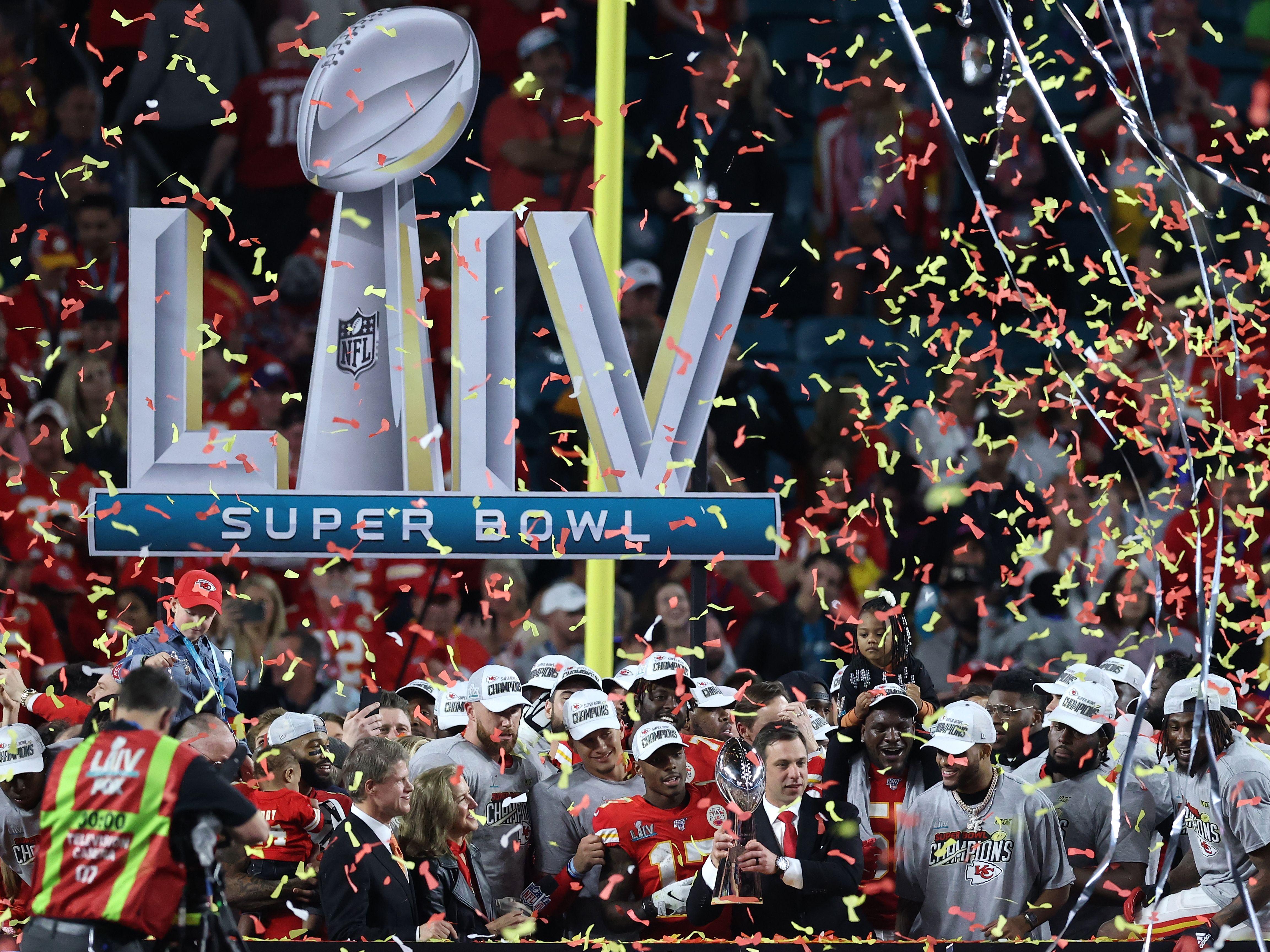 Kansas City Chiefs feiern den Gewinn von Super Bowl LIV (54).