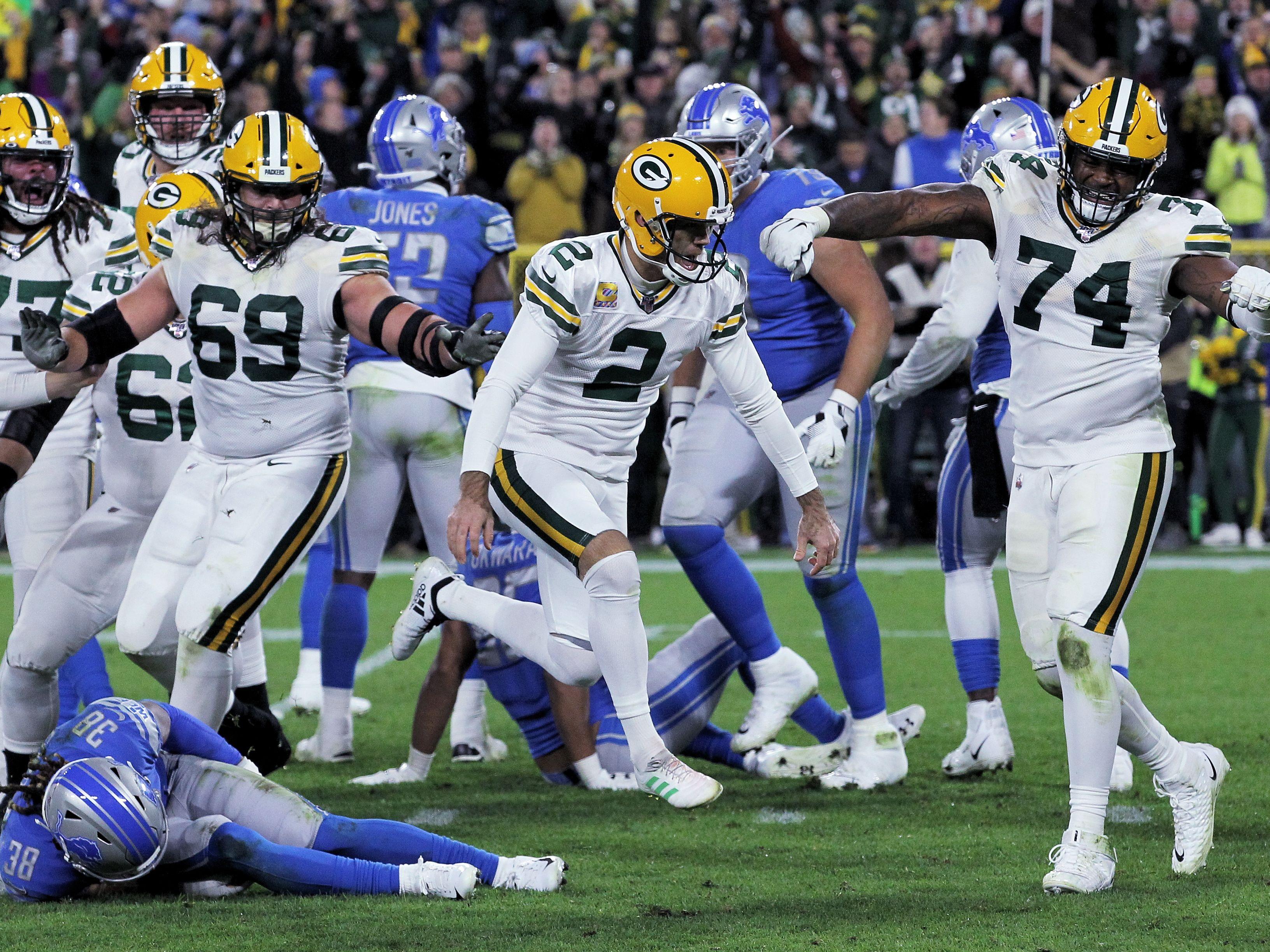 Mason Crosby (Mitte) ist Kicker der Green Bay Packers.