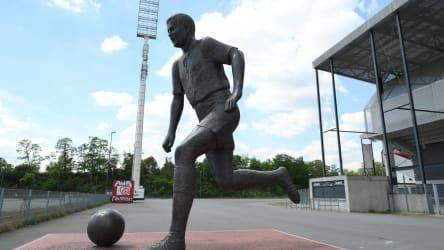 Statue von RWE-Ikone Helmut Rahn