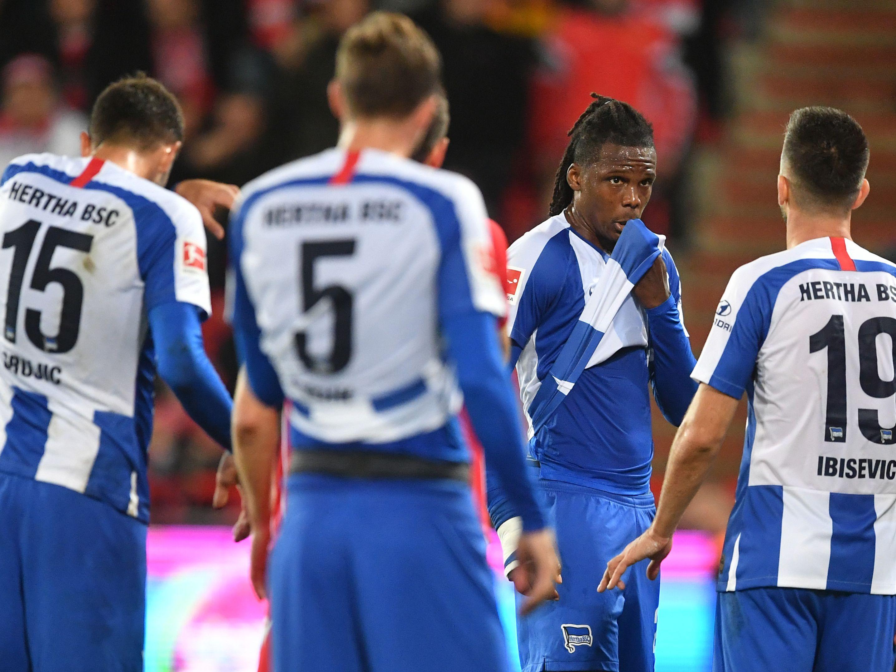 Spieler von Hertha BSC zeigen sich nach dem jüngsten 0:1 bei Union Berlin enttäuscht.