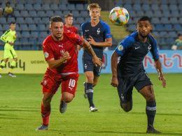 Frankreichs Theo Ndicka Matam (re.) machte ein starkes Spiel.