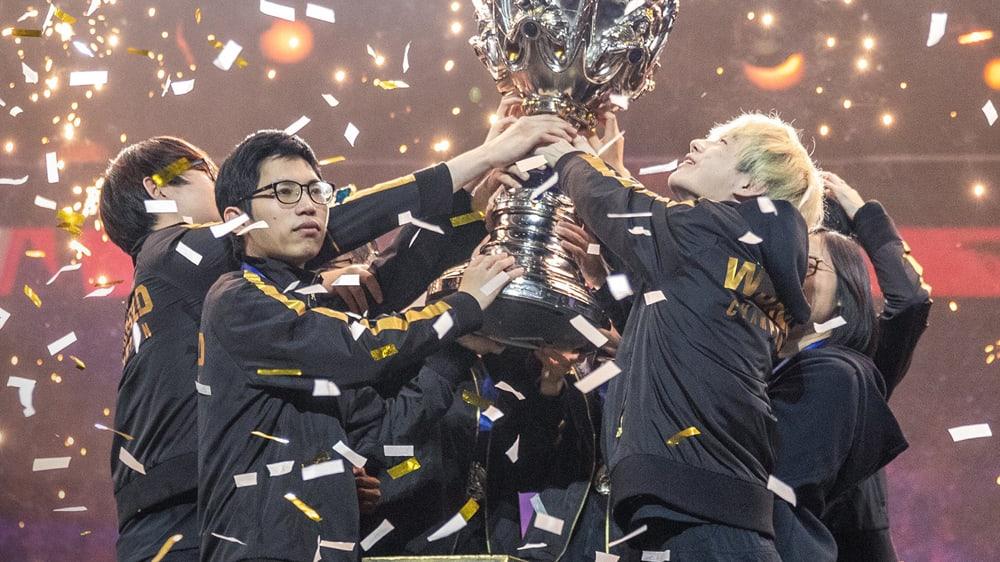 FunPlus Phoenix hat den Summoners Cup gewonnen.