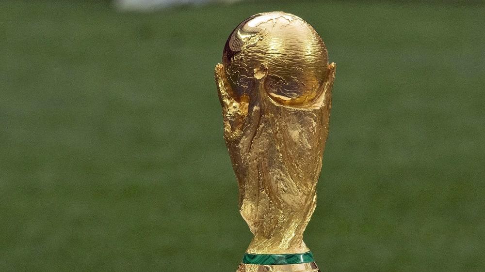 Objekt der Begierde: Der WM-Pokal.
