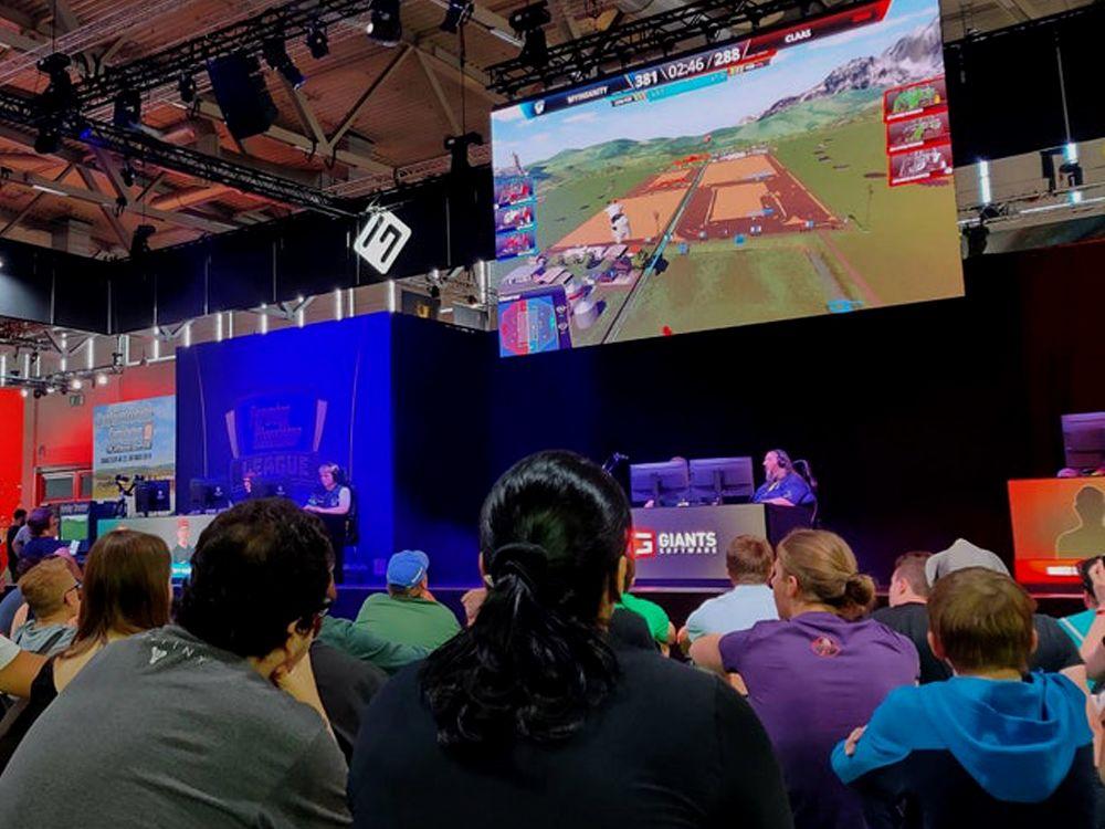 FSL: Auf der gamescom zog die Farming Simulator League viele Zuschauer an
