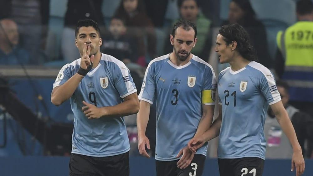 Luis Suarez (li.) erzielte das 1:1 - und traf kurz vor dem Ende die Latte.