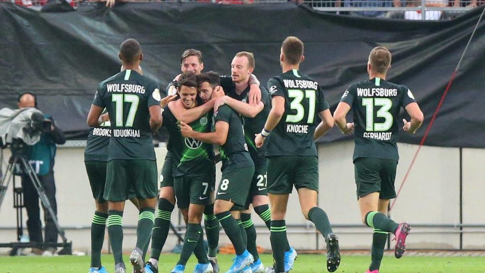 Wolfsburger Jubel über das 5:3
