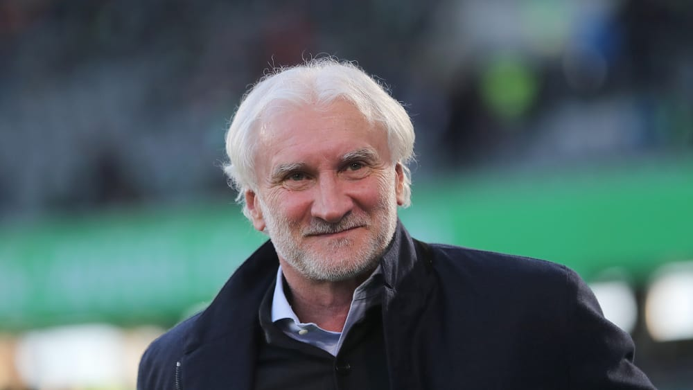 Rudi Völler lächelt