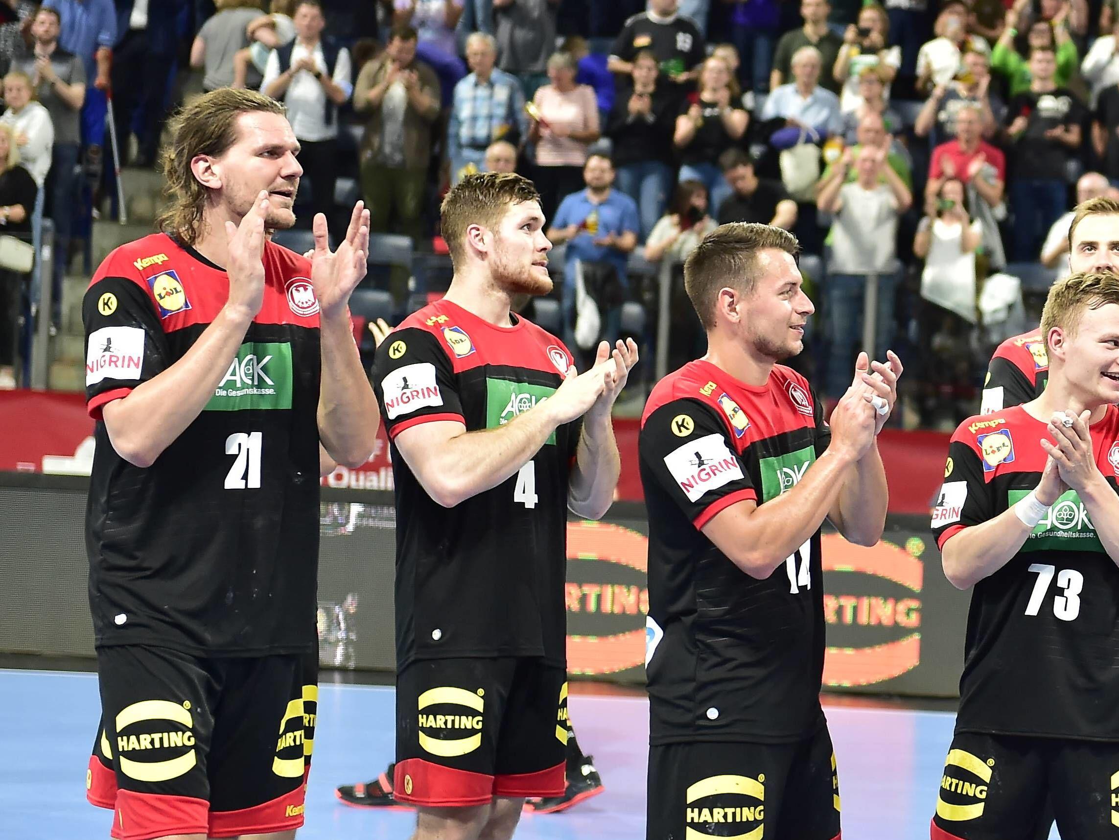 Spielend leicht: Deutschlands Handballer fegten über den Kosovo hinweg, die EM-Quali ist perfekt.