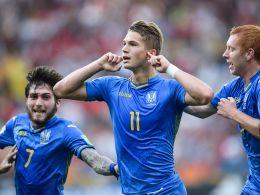 Matchwinner: Mit zwei Toren schoss Vladyslav Supriaga (#11, Dynamo Kiew) die Ukraine zum Titel.