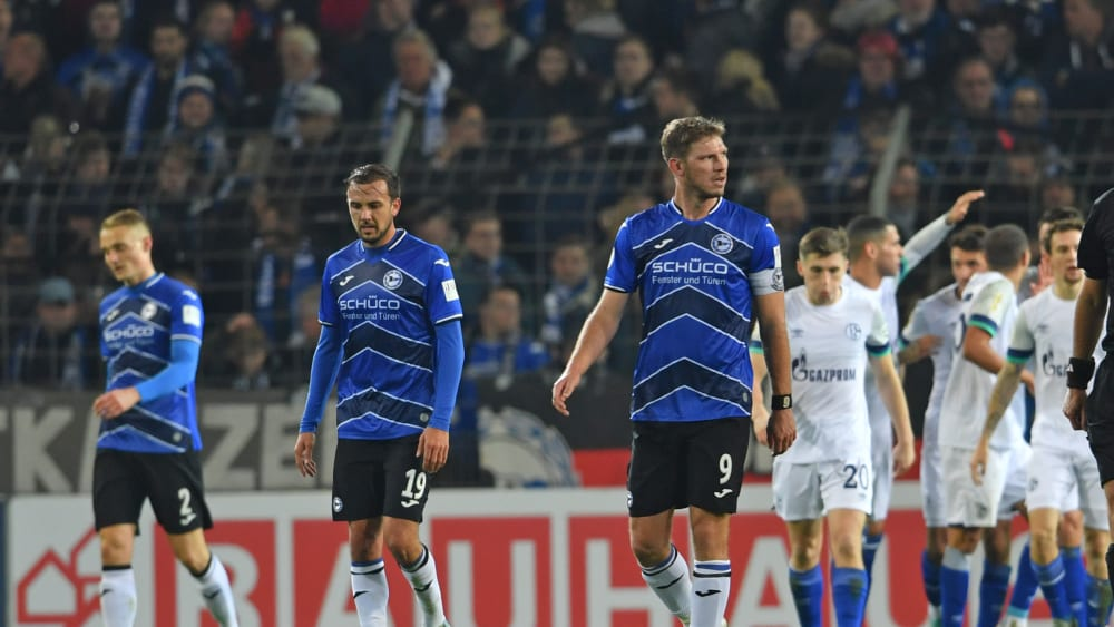 Enttäuschte Bielfelder und jubelnde Schalker