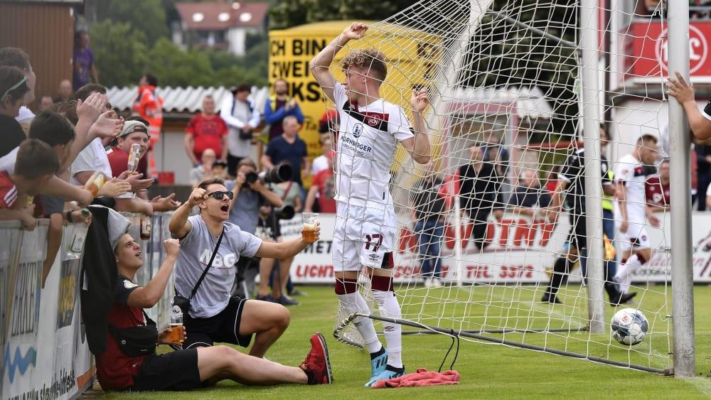 Eingenetzt: Robin Hack feiert seinen ersten Treffer für den Club.