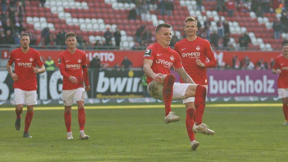 Florian Pick jubelt nach seinem Treffer zum 2:0 gegen Rostock.