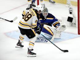 Kaltschnäuzige Bruins erzwingen Spiel sieben