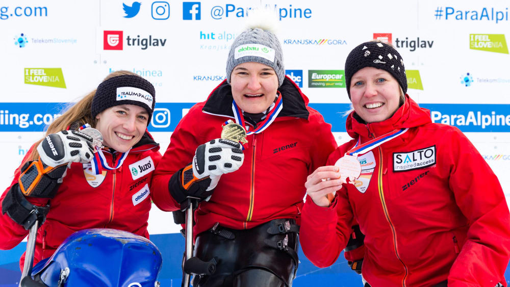 Anna-Lena Forster (Mitte) holte bei der WM Gold.