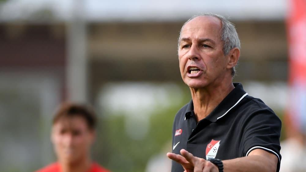 Will den Vorsprung auf Platz zwei um weitere drei Punkte ausbauen: Türkgücü-Trainer Reiner Maurer.