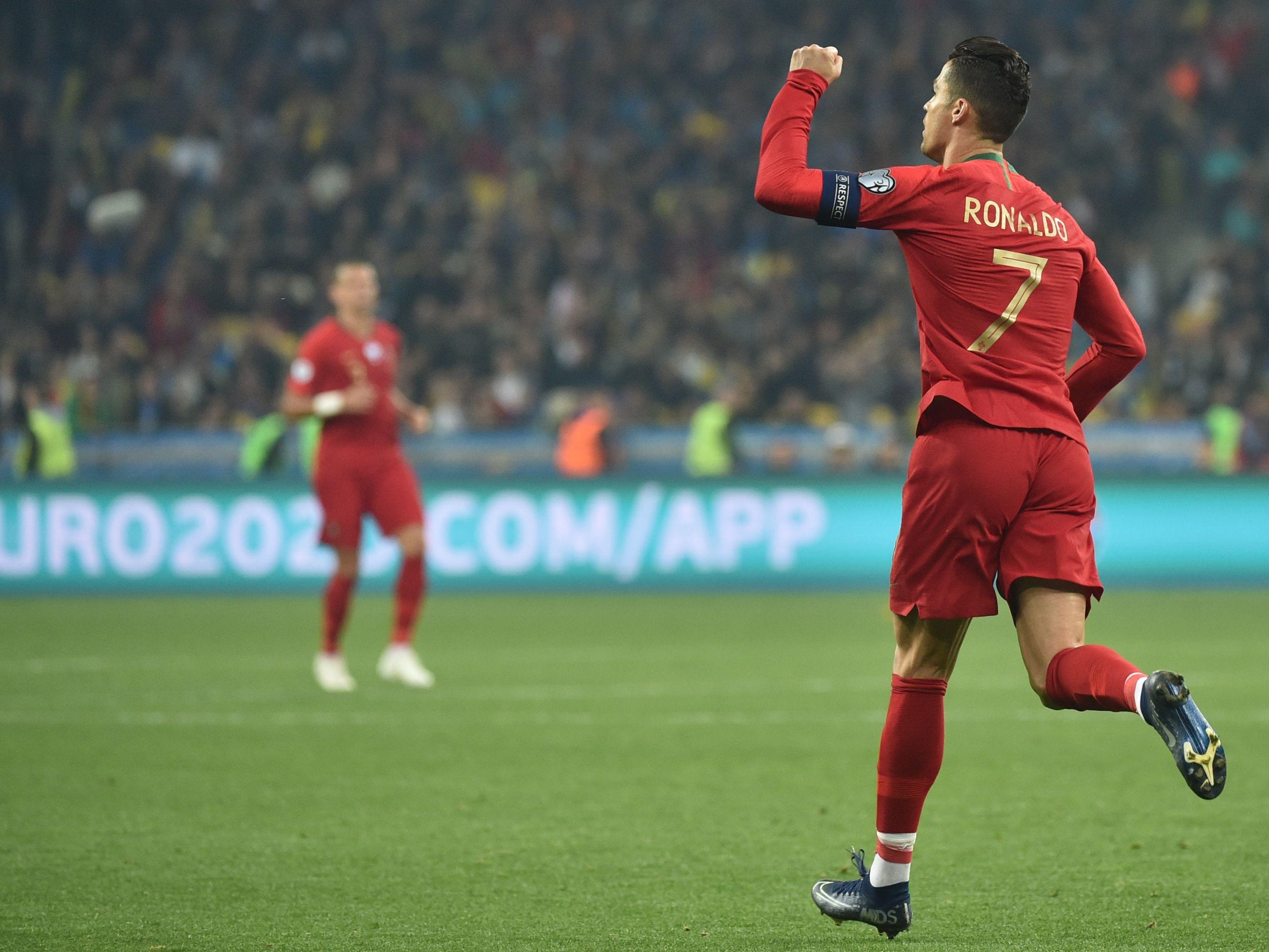 Cristiano Ronaldo bejubelt den Anschlusstreffer in Kiew.