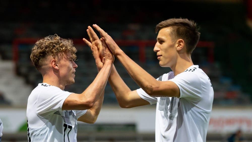 Sorgten für den erfolgreichen Auftakt: Robin Hack (li.) und Nico Schlotterbeck.