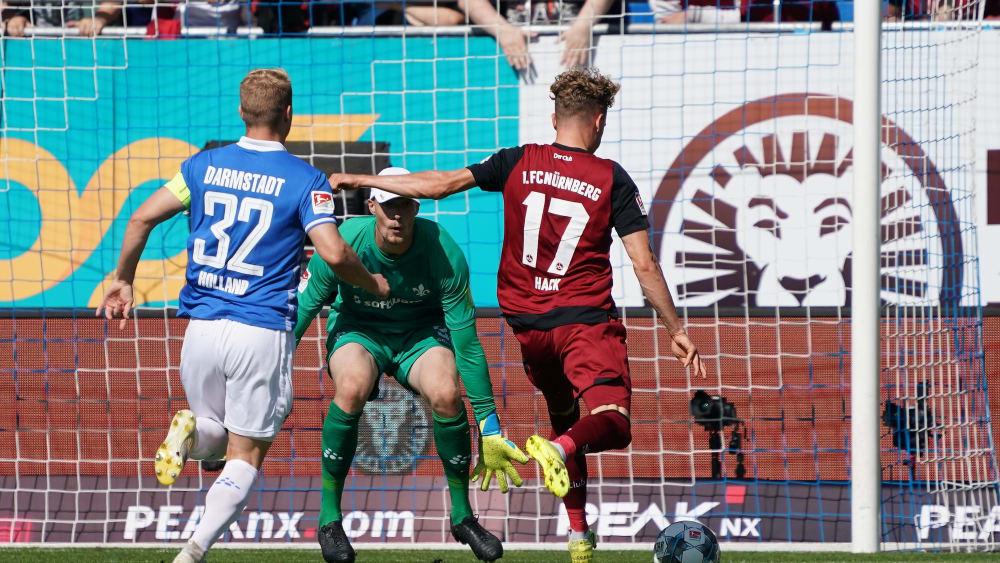 Zwei Tore, aber nur einen Punkt: Nürnbergs Youngster Robin Hack (#17).
