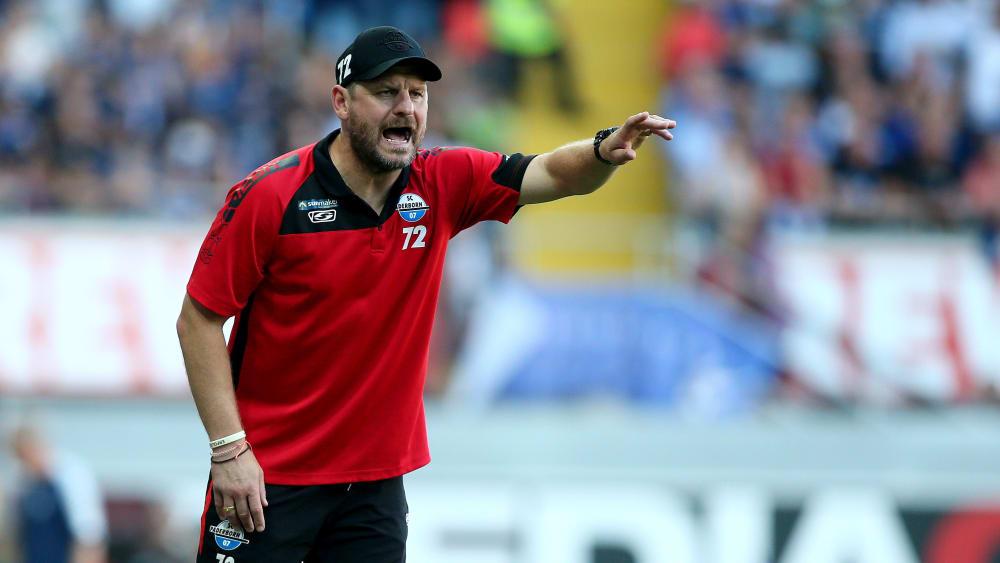 Macht kein Geheimnis um seine Aufstellung: Paderborns Chefcoach Steffen Baumgart.