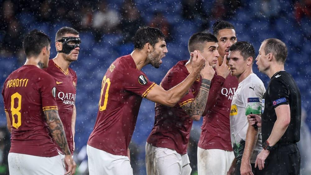 Roma-Spieler beschweren sich bei Schiedsrichter Collum