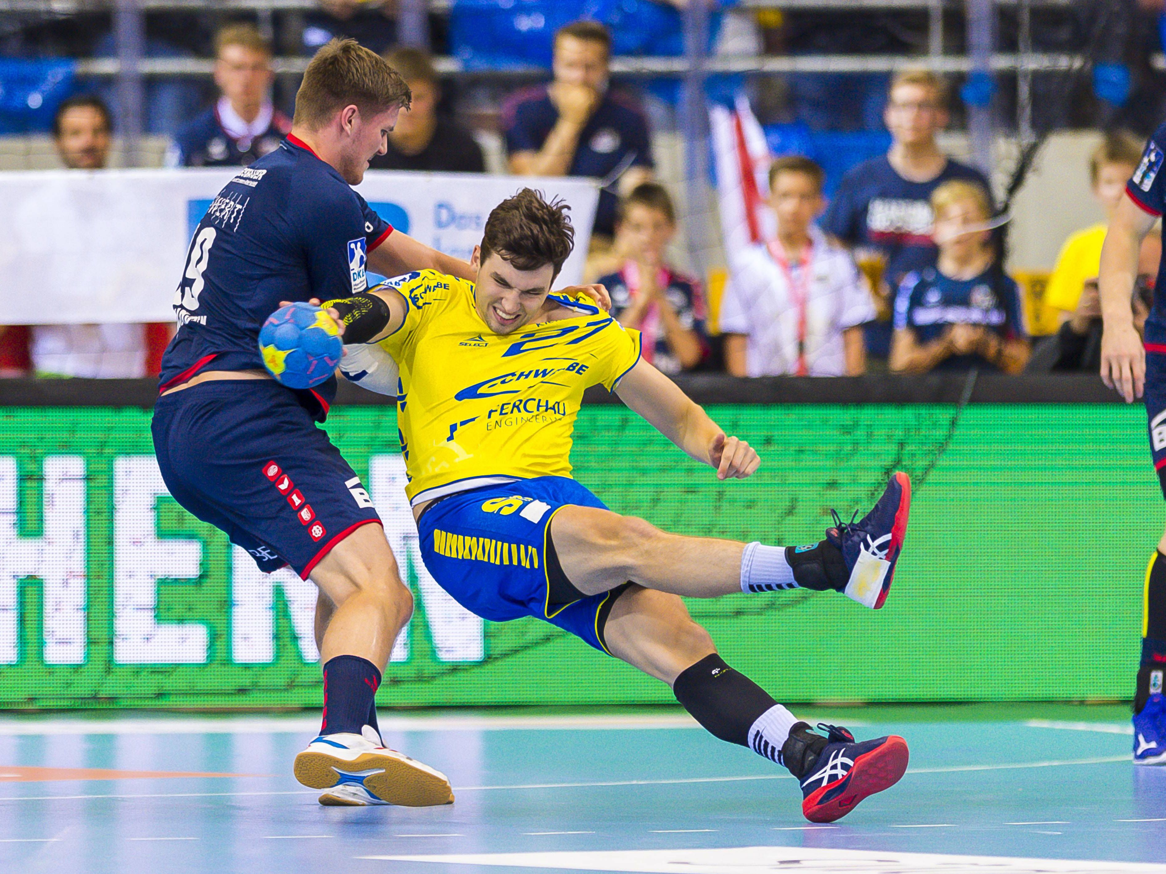 Ausgehebelt: Gummersbach (in Gelben Trikots) kam in Bietigheim nur zu einem Unentschieden.