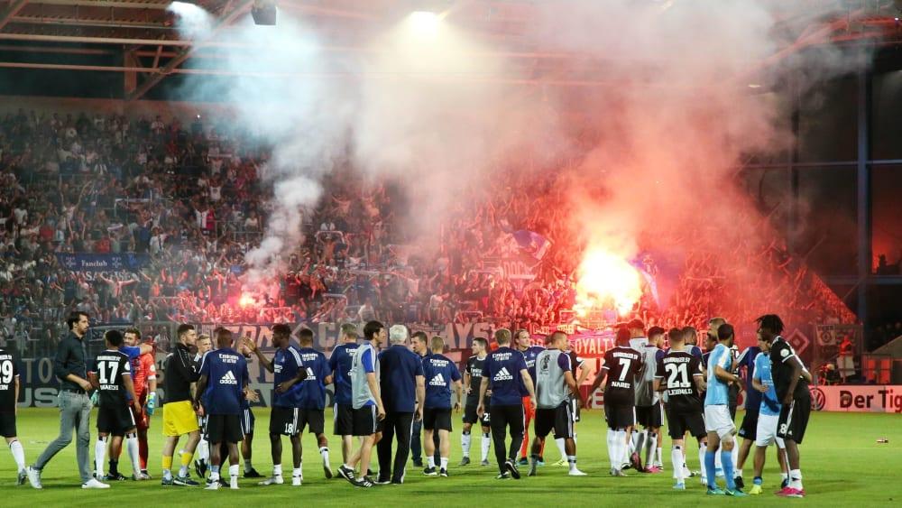 HSV muss für Pyro im Pokal zahlen - DFB spricht Geldstrafe aus