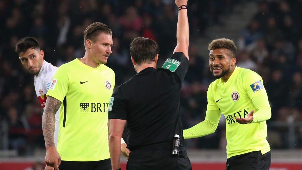 Nach Foul an Stenzel: Zwei Spiele Sperre für Kyereh - Platzverweis in Stuttgart