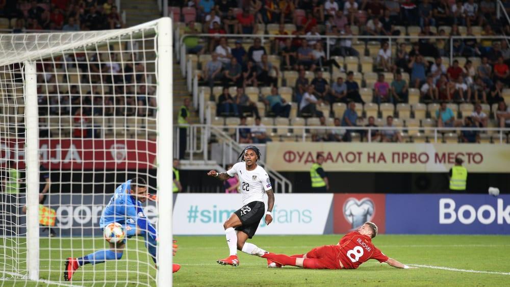Österreichs Lazaro drückt den Ball zum 1:1 in die Maschen.