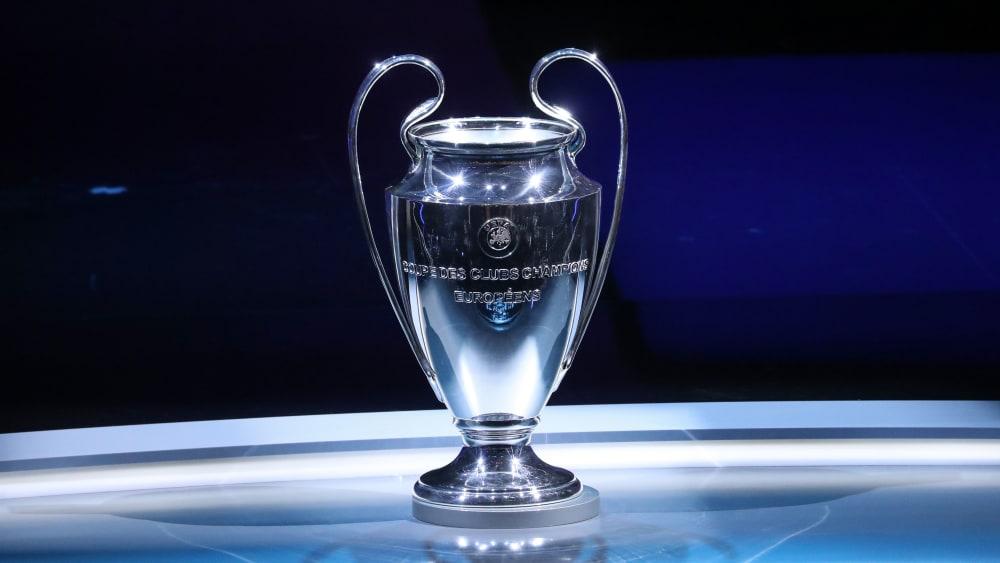 Objekt der Begierde: die Champions-League-Trophäe.