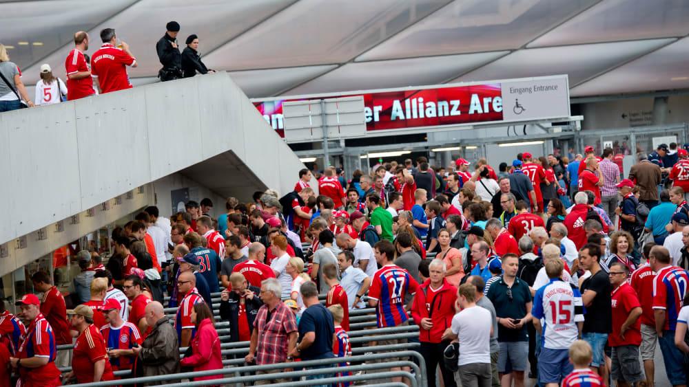 Mangelware Ticket: Die Bayern werden von den Zuschauern regelrecht überrannt.