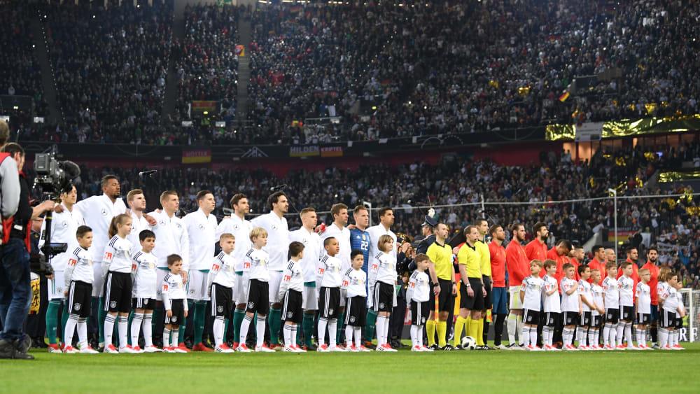 Das Freundschaftsspiel gegen Spanien (hier vor dem im März Test 2018) musste wegen COVID-19 abgesagt werden.