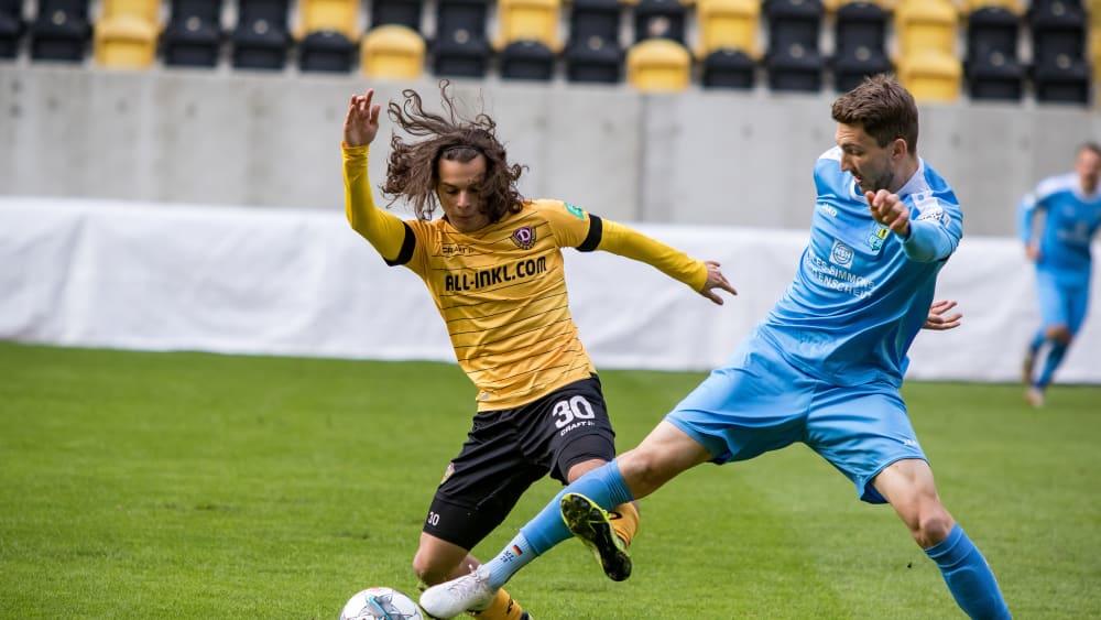 Stand im Test gegen Dynamdo Dresden in der Startelf: Matti Langer (rechts).