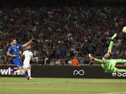 Italien reichen zehn starke Minuten