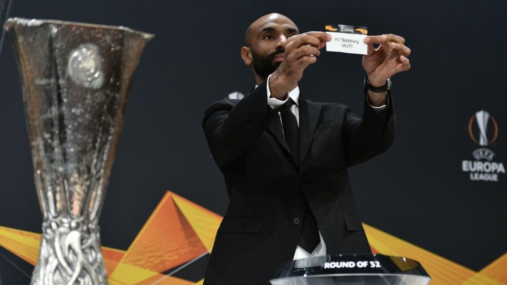Wer hält den Pokal am Ende in den Händen? Frankfurt muss zunächst Salzburg ausschalten