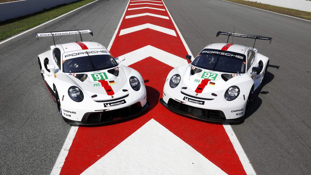 Stolz präsentiert Porsche in Barcelona sein neues Langstreckenfahrzeug.