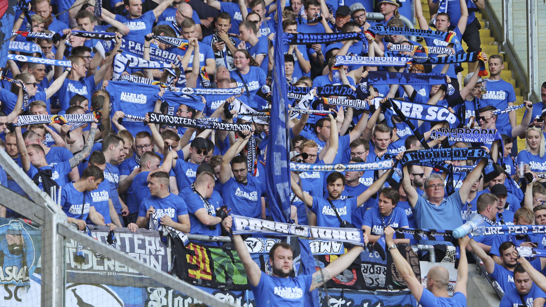 RB-Protest geht weiter: Paderborn-Fans verteilen Flugblätter | Bundesliga - kicker