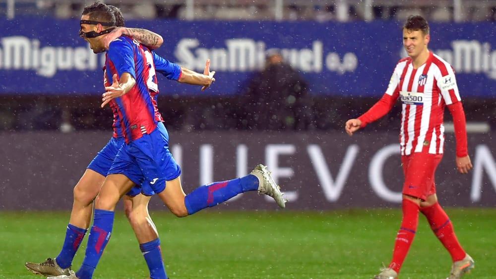 Eibar bejubelt das 1:0 durch Innenverteidiger Burgos.