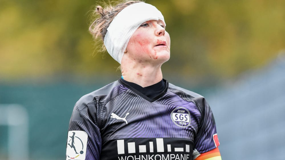 Durchgebissen: Essens Kapitänin Marina Hegering zog mit ihrem Team ins Viertelfinale ein.
