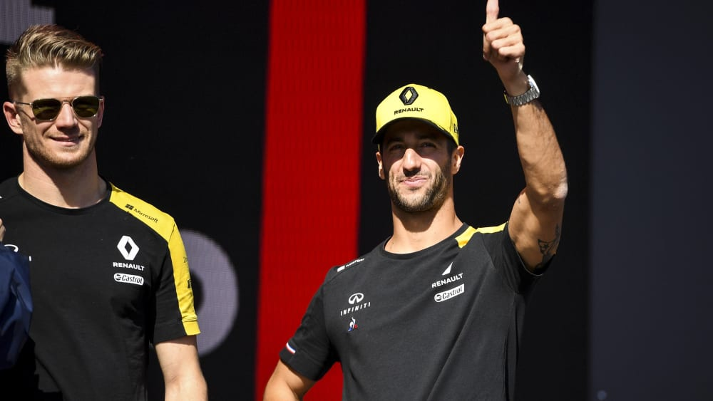 Daniel Ricciardo (re., mit Nico Hülkenberg)