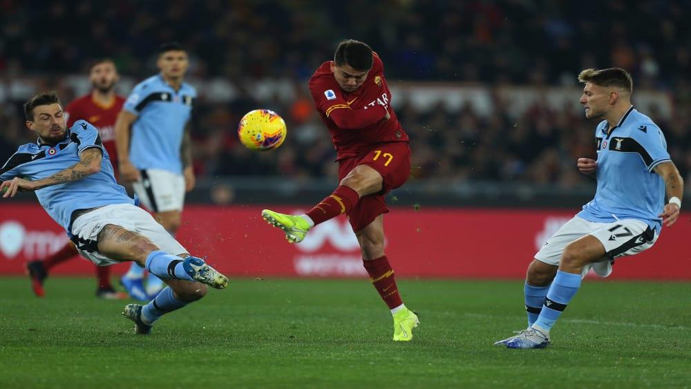 Die Roma um den sehr auffälligen Ünder (Mitte) investierte wesentlich mehr, konnte Lazio allerdings nicht besiegen.