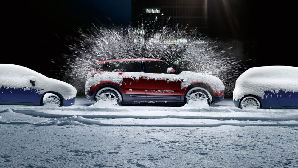 Verschneite Autos
